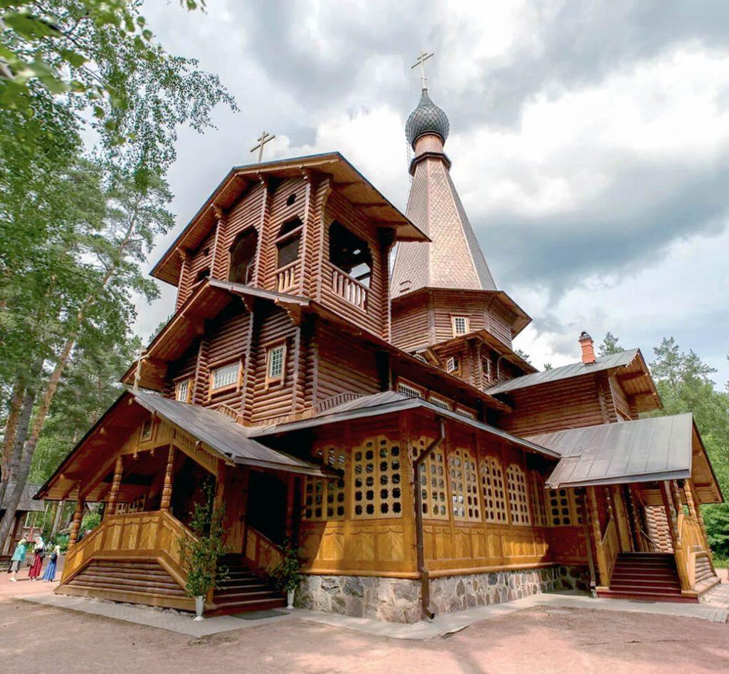 Храм Казанской иконы в Вырице